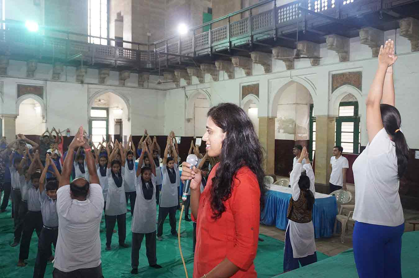 yoga_centre_in_baroda_in_india12