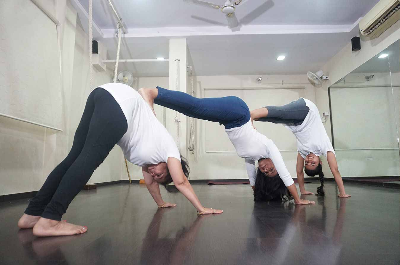 yoga_class_in_baroda_in_india9