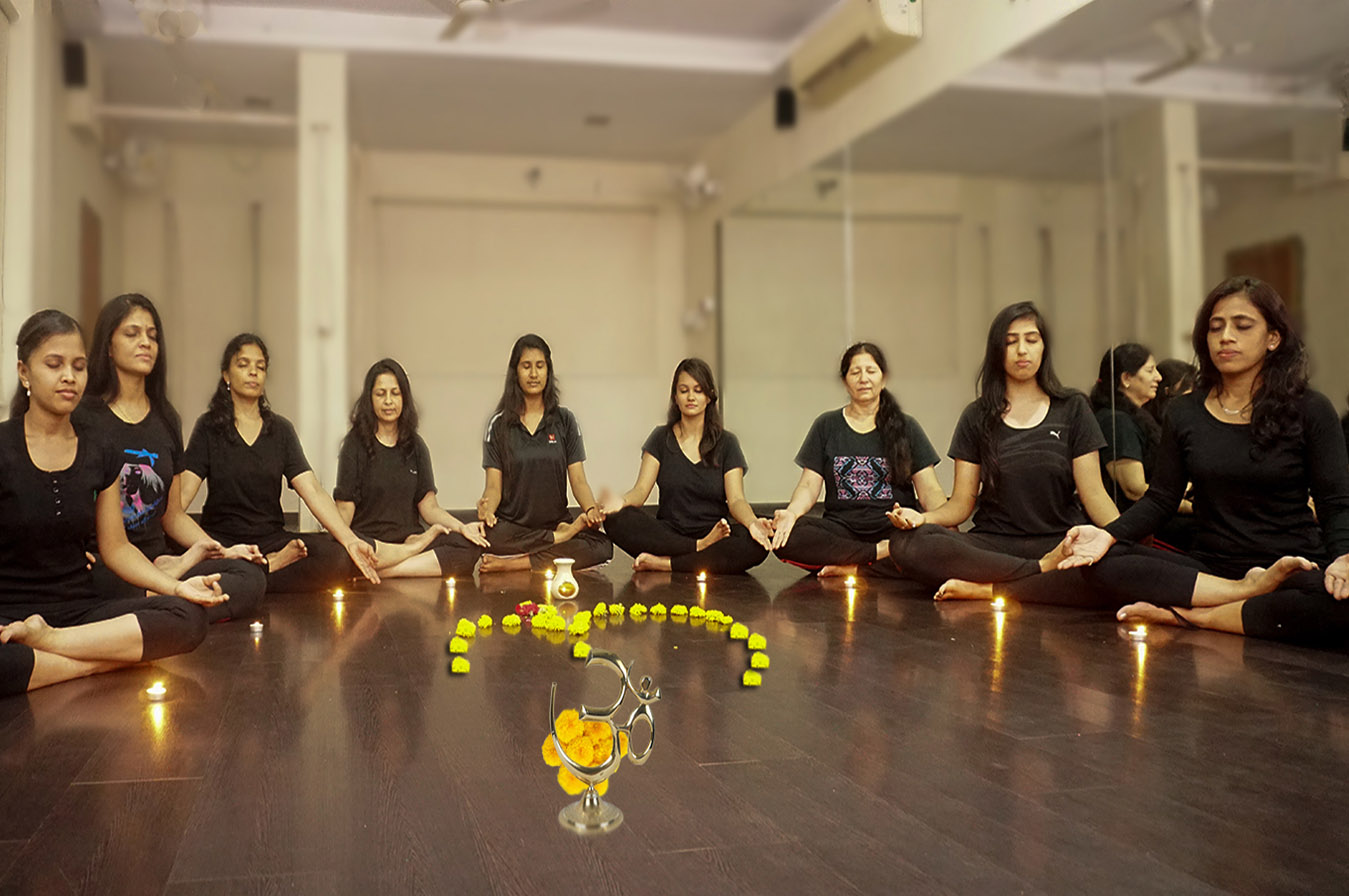 yoga_meditation_in_baroda_in_india2