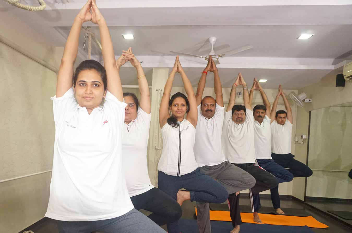 yoga_suryanamaskar_in_baroda_in_india24